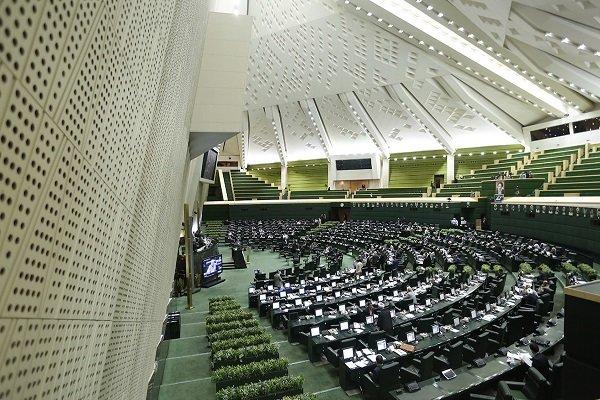 اعضای کمیسیون اجتماعی مجلس و وزیر رفاه به آبادان می آیند