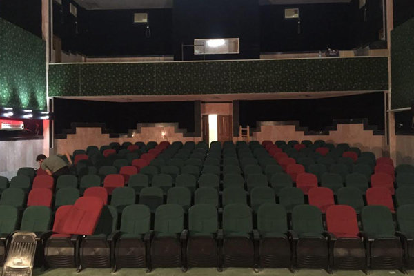بازدید مدیرکل سینمای حرفهای از سینما آبادان