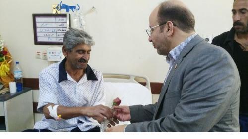 عیادت رئیس دانشکده علوم پزشکی آبادان از بیماران