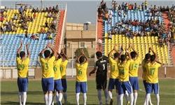 تیم فوتبال صنعت نفت آبادان از سر گرفته شد