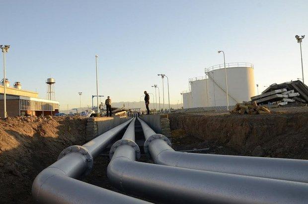 نشت نفت در  میدان فرودگاه اهواز