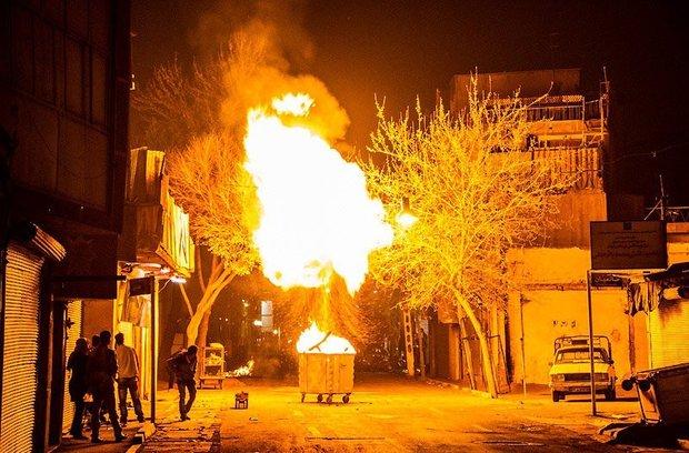 پویش خیابانی «نه به مواد محترقه خطر ساز» در آبادان به راه افتاد