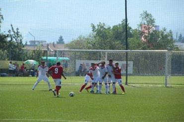فوتبالیست کم شنوای خرمشهری نماینده خوزستان درجام جهانی ایتالیا