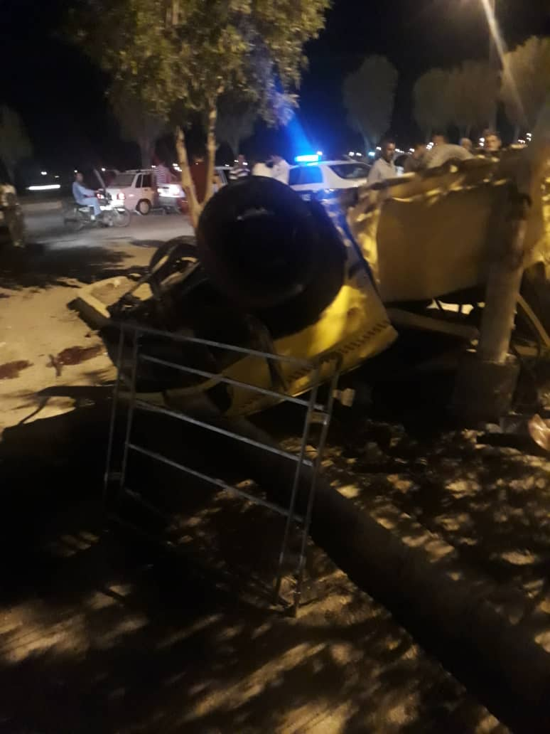 واژگونی خودرو تاکسی در آبادان